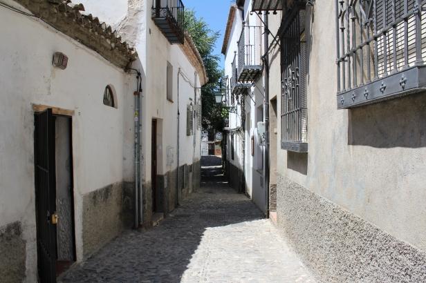 Callejón en Granada, España